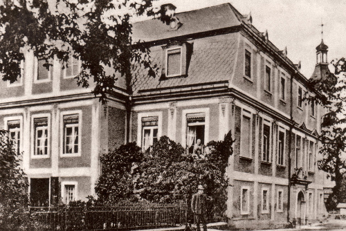 THE PROPERTY IN KAMIENIEC BLOOMS DURING THE REIGN OF VON SEHERR-THOSS FAMILY
